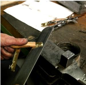 comprendre fabrication couteau laguiole
